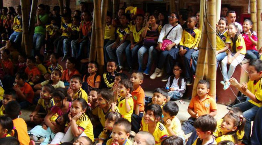 Vuvuzelas und Fußballfieber am Colegio de las Aguas