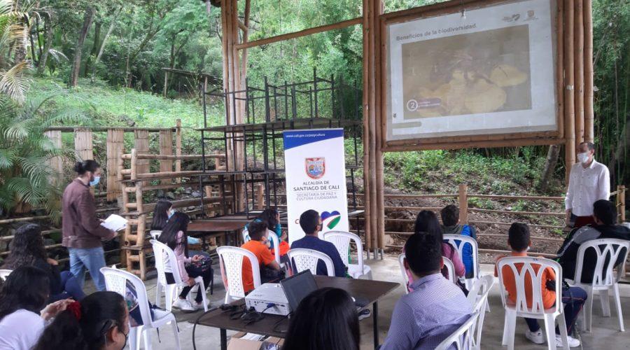 Besuch des Sekretariats für Frieden und Kultur in der Schule