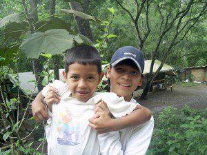 Cristian rechts im Colegio de las Aguas