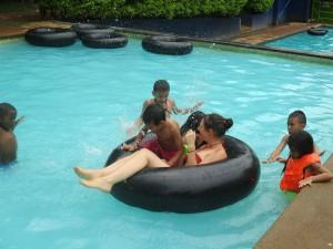 Besuch im Schwimmbad Montebello